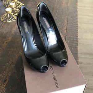 Louis Vuitton black patent leather heel